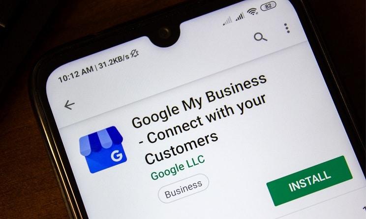 Google My Business på mobiltelefon. beritbai.dk